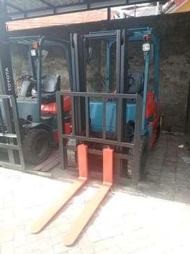 Forklift toyota 2.5 ton murah