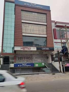 Shops/Showrooms Space on main Kapoorthala Road - 800 sqft to 8000 Sqft