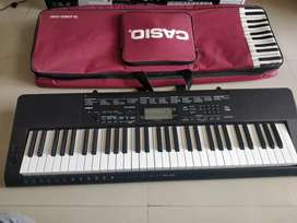 Casio CTK 3500 with cover