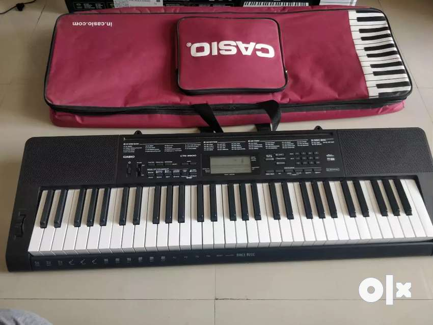 Casio CTK 3500 with cover 0