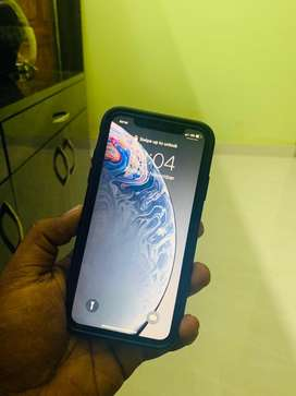 iphone XR 64gb Black 4 months old