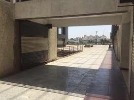 Ground floor shop in low budjet