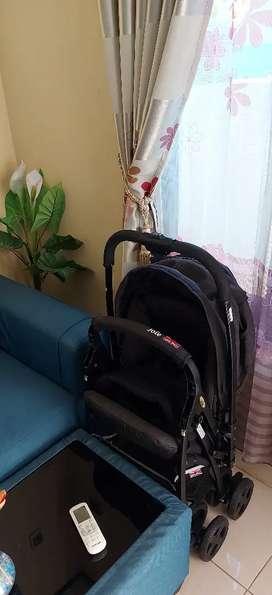 Di jual stroller Joie orginal masih bagus Negoo sampai deal
