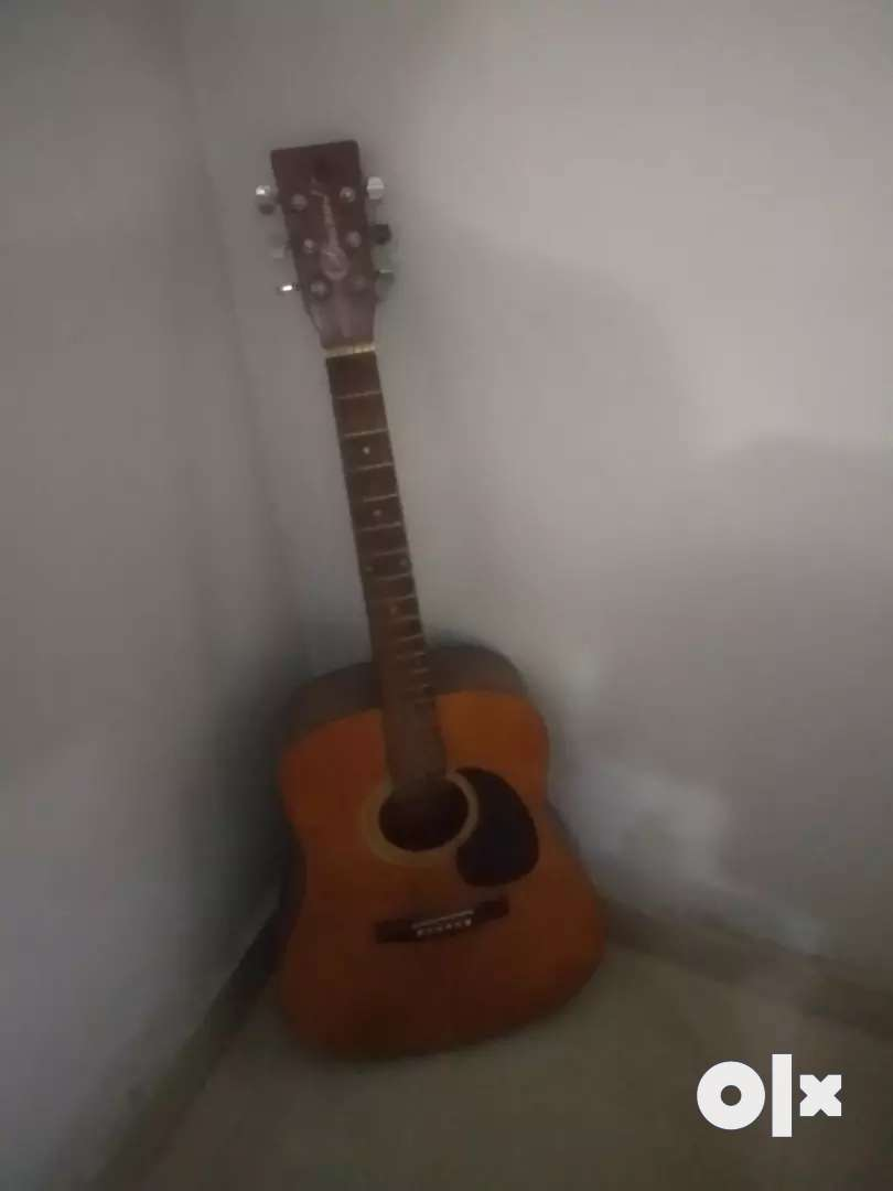 Acoustic guitar 0