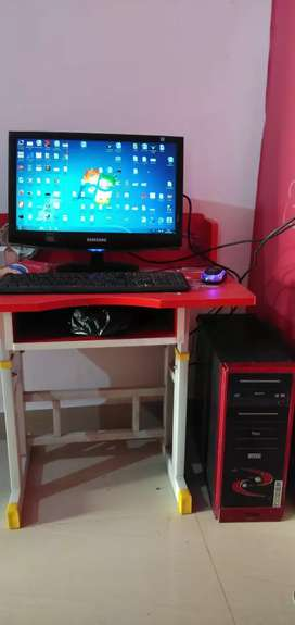 Desktop computer with CPU, Monitor, Keyboard, Mouse