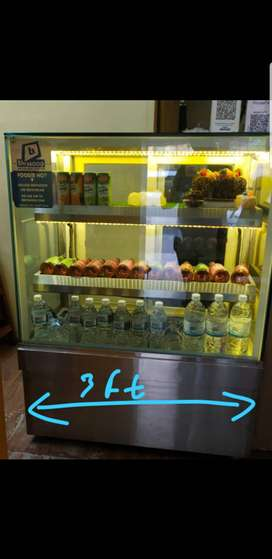Cake fridge with cooling plates width 3 ft height 5 feet
