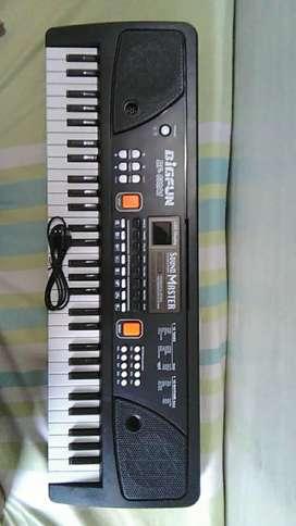 61 keys Piano