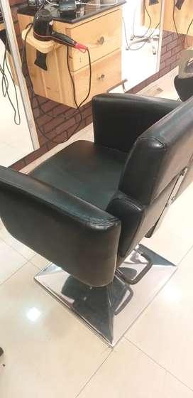 Salon's SECOND HAND chair