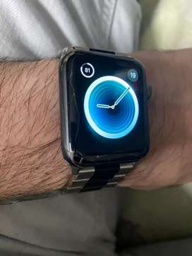 Apple watch 3 42mm minor glass break with charger
