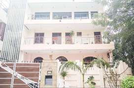 2 BHK Semi Furnished Flat for rent in Sector 21 for ₹26000, Gurgaon