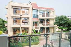 5 BHK Sharing Rooms for Men at ₹9750 in Sector 72, Noida