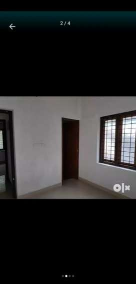 4 bhk independent house near cyber park thondayad. Bachlors available