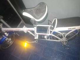 Sepeda listrik model lipat merk saturnus