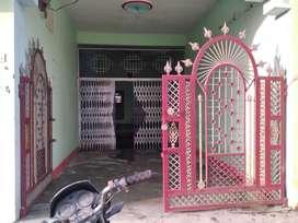 Suragbundiya station se 500 metre mein hai(DHANIRAM MEMORIYAL SCHOOL)