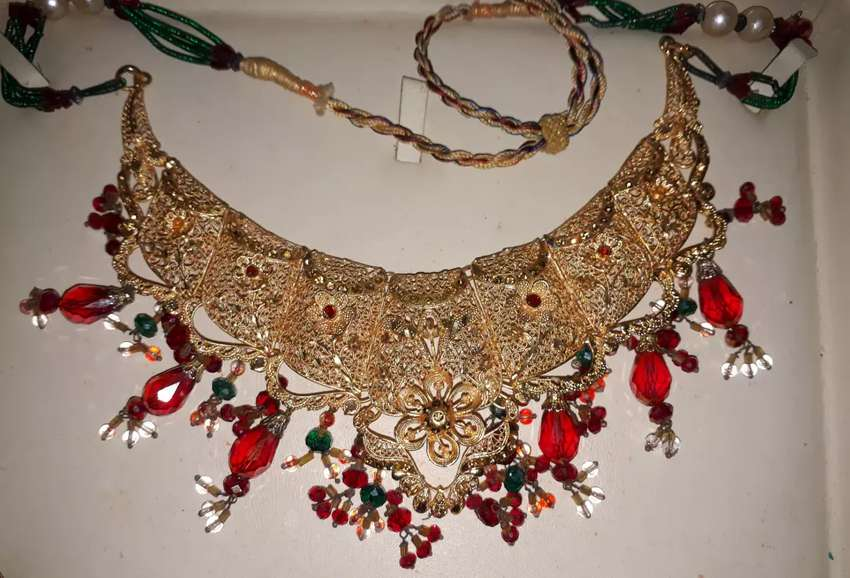 Latest Indian Jewellery Gift Set 0