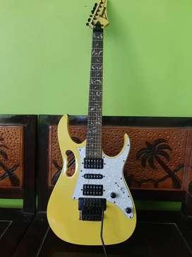 Gitar IBANEZ ori japan.kondisi sperti baru jarang pake.