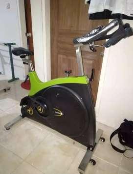 sepeda fitnes spinning id 700L