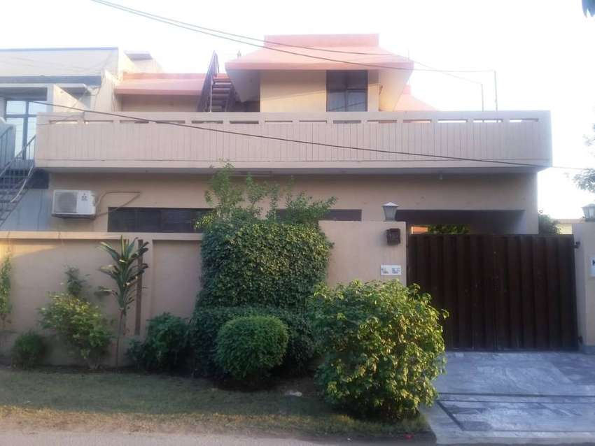 1O MARLA UPPER PORTION SEPARATE GATE FOR RENT 35000 0