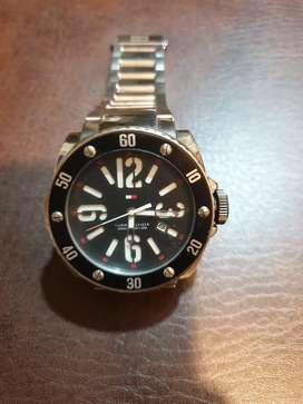 Tommy Hifiger Watch in very good condition Black & White Dial
