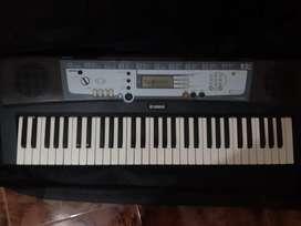 YAMAHA keyboard PSR-E213  for sale
