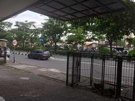 Ruko Raya Kedung Cowek Surabaya Murah. Disewakan.