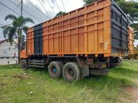 Mitsubishi dump truk tronton siluman km 38.000