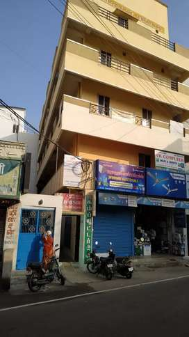 Rooms available for bachlor and office room for rent near bus stand