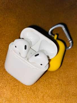 Airpods 1 in a good condition
