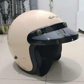 Jual Helm Cargloss Cream Second/Bekas