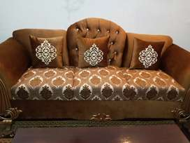 New Latest Style 6 Seater Sofa Set Just 1 day ago purchase urgent Sale