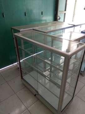 etalase alumunium cocok untuk toko