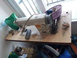 Mesin jahit merk typical lengkap meja dan dinamo