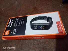 Mi smart band 4 in best condition 4 month used