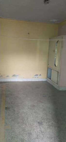 House for sale 2floor hai main 7no Gali line par 2 side open