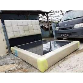 Dipan sandaran / Divan tempat tidur oscar kulit Elora