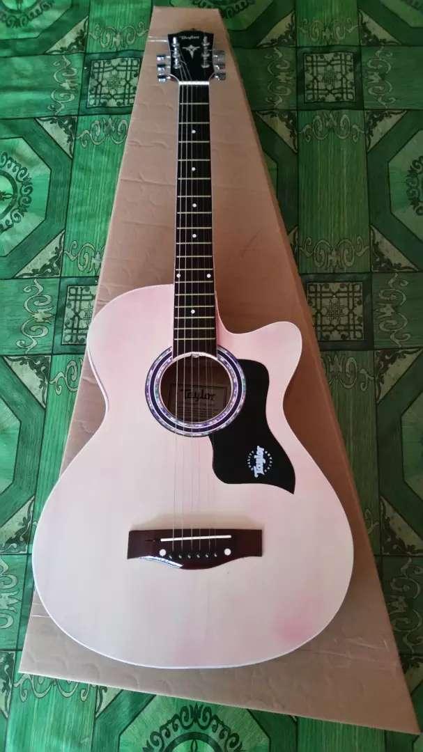 Gitar akustik standart taylor natural 0