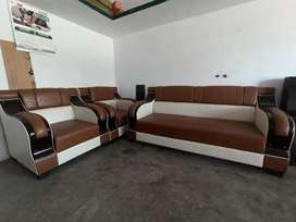 New sofa set real price is 25000 but i sell 21000 urgent