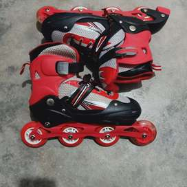 Roller skates )tyre waly shoese