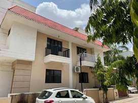 Duplex for rent in manjalpur