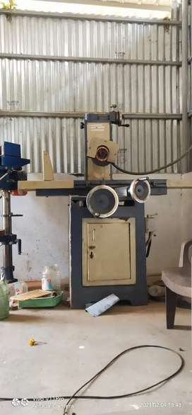 Surfacing grinding machine