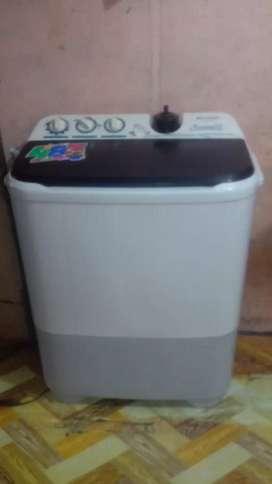 mesin cuci SHARP dua tabung 7 kg bagus