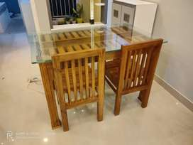4 chair dinning table