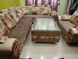 9 setter sofa satting with table brand new