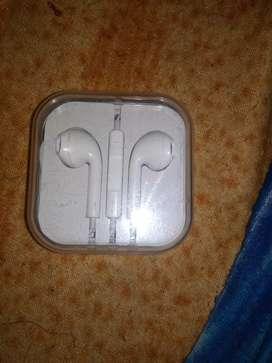 Brand New earphones original for (I phone , apple )all phone