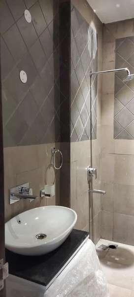 Chandigarh 10 marlas .. premium location .. first and second floor