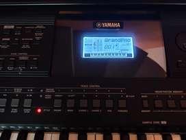 Yamaha PSR E463 — Keyboard
