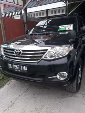 Toyota fortuner automatic 2011
