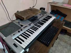 Music Keyboard Yamaha PSR I425