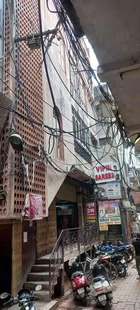 Comercial building in Aminabad pratap market