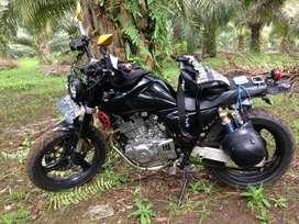 Edisi bosan dijual suzuki gsx 250 cc